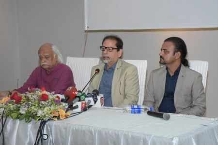 Ahmed Shah, Anwar Maqsood & Shahid Rassam Hold The Press Conference About ACIAC Scholarship Program For Talented Students (1)