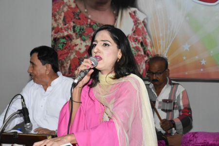 An Evening With Singer Mona Niaz, At Arts Council Of Pakistan Karachi (19)