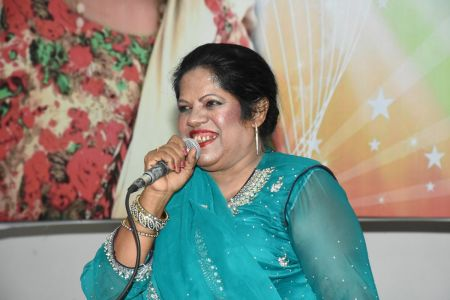 An Evening With Singer Mona Niaz, At Arts Council Of Pakistan Karachi (33)