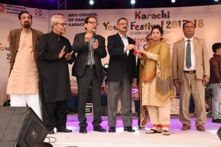 Award Distribution District East, Karachi Youth Festival 2017-18 (19)