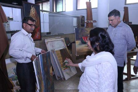Commissionar Karachi Visited Arts Council (49)