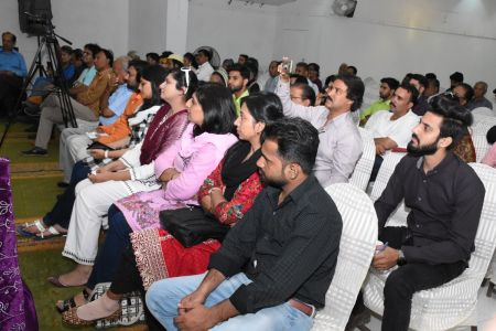 Condolence Gathering Of Prominent Singer Taaj Multani At Arts Council Of Pakistan Karachi (19)
