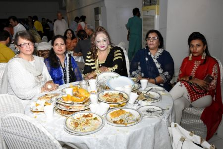 Eid Milan & Mango Party For Members Of Arts Council Karachi (53)