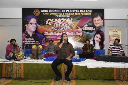 Ghazal Night With Shoaib Najmi And Kashia Kaif By Youth Committee Arts Council Of Pakistan Karachi (25)