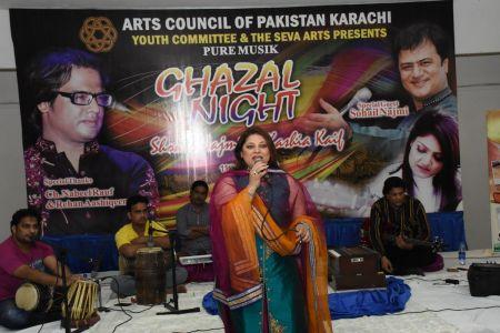 Ghazal Night With Shoaib Najmi And Kashia Kaif By Youth Committee Arts Council Of Pakistan Karachi (28)