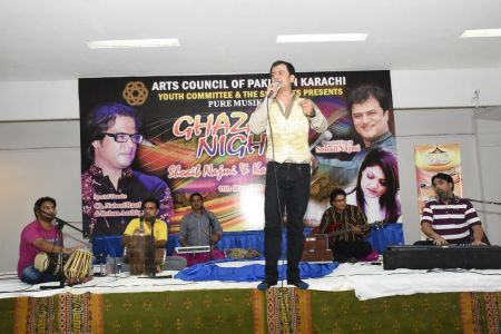 Ghazal Night With Shoaib Najmi And Kashia Kaif By Youth Committee Arts Council Of Pakistan Karachi (34)