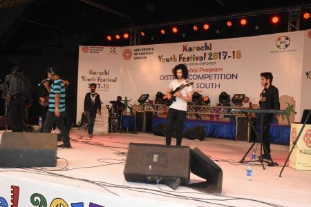 Kashmir Band Musical Performance In Karachi Youth Festival 2017-18 (10)