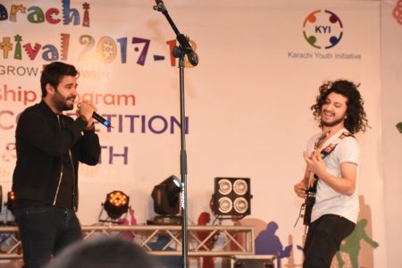 Kashmir Band Musical Performance In Karachi Youth Festival 2017-18 (1)