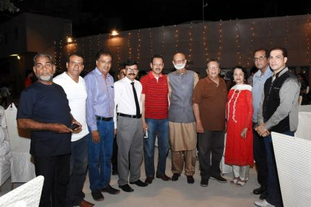 Members During Eid Milan & Mango Party For Members Of Arts Council Karachi (12)