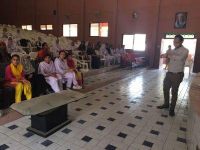 Mentorship Program Of Karachi Youth Festival 2017  (26)