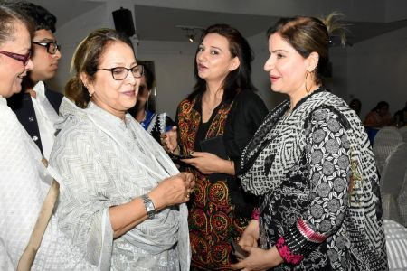 Mrs. Ahmed Shah & Kishwer Zehra During  Eid Milan & Mango Party For Members Of Arts Council Karachi (49)