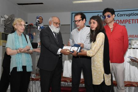 NAB & Arts Council Organized A Painting Competition 2018 At Arts Council Karachi  (37)