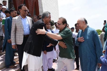 President Ahmed Shah Visits Mazar-e-Quaid To Offer Fateha On 73rd Independace Day 2019 (2)