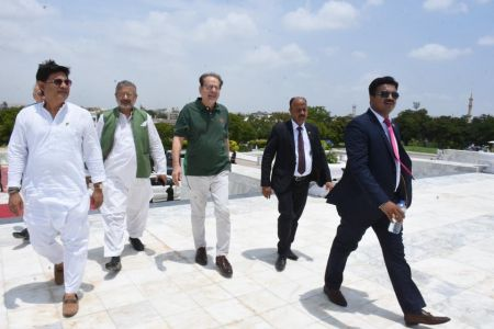 President Ahmed Shah Visits Mazar-e-Quaid To Offer Fateha On 73rd Independace Day 2019 (3)