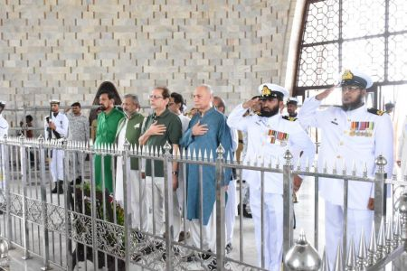 President Ahmed Shah Visits Mazar-e-Quaid To Offer Fateha On 73rd Independace Day 2019 (5)