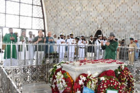 President Ahmed Shah Visits Mazar-e-Quaid To Offer Fateha On 73rd Independace Day 2019 (6)