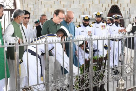 President Ahmed Shah Visits Mazar-e-Quaid To Offer Fateha On 73rd Independace Day 2019 (8)