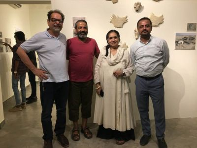 President Arts Council Ahmed Shah Visited Exhibitions At Chaukhandi, Canvas, Koel And Sanat Galleries Karachi. (4)