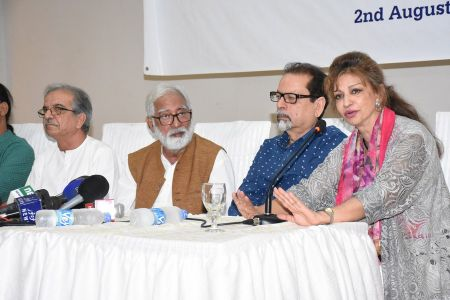 Press Conference About Sadiquain Fake Painting (10)