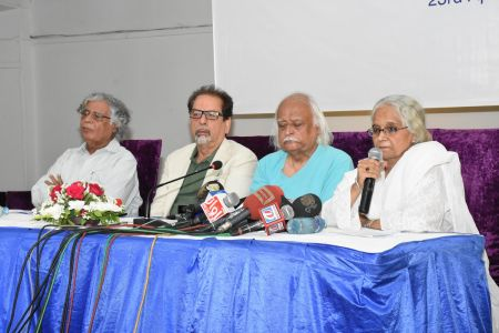 Press Conference About \'Save Shahid Sajjad\'s Art Work\' By Arts Council Of Pakistan Karachi (8)