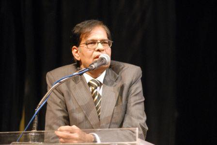 SM Muneer Aeteraf E Kamal -028