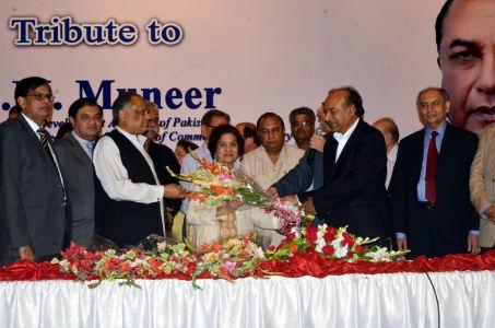 SM Muneer Aeteraf E Kamal New Folder -011 Leading (3)