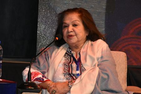 Session On Fahmida Riyaz In 12th Aalmi Urdu Conference At Arts Council Karachi  (6)
