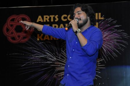 Singer Zubair During 23rd March Celebrations At Arts Council Of Pakistan Karachi (39)