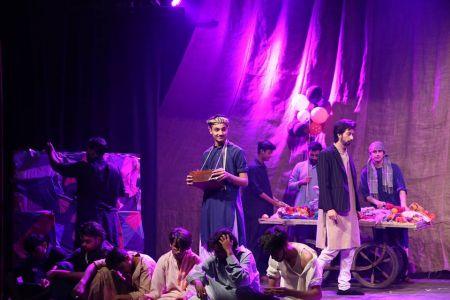 Theater Play HUA KUCH YOON By Dawar Mehmood KopyKats Productions (8)