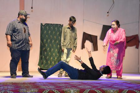 Theater Play Munda Bigree Jaye At Arts Council\'s Awami Theater Festival 2018 (2)