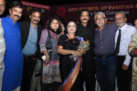 Tribute To Artist Zaheen Tahira At Arts Council Karachi(3)