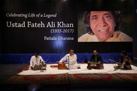 Tribute To Ustad Fateh Ali Khan (14)