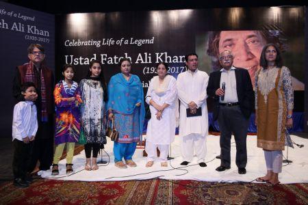 Tribute To Ustad Fateh Ali Khan (17)
