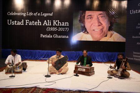 Tribute To Ustad Fateh Ali Khan (7)