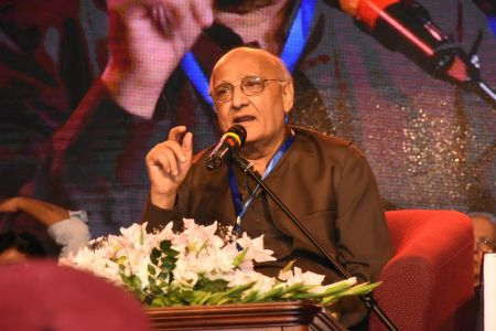 3rd Day, Session Aalmi Mushaira In Aalmi Urdu Conference 2019 At Arts Council Karachi (39)