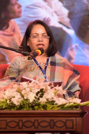 3rd Day, Session Aalmi Mushaira In Aalmi Urdu Conference 2019 At Arts Council Karachi (8)