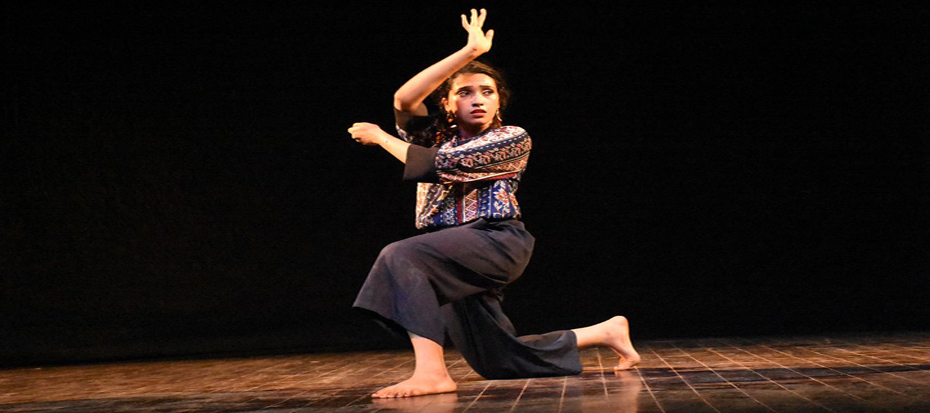 Sohaee Abro showcased a freestyle performance in Arts Council