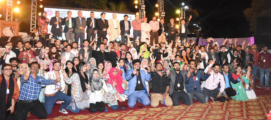 The 8th Day Youth Festival ended with a grand award distribution ceremony