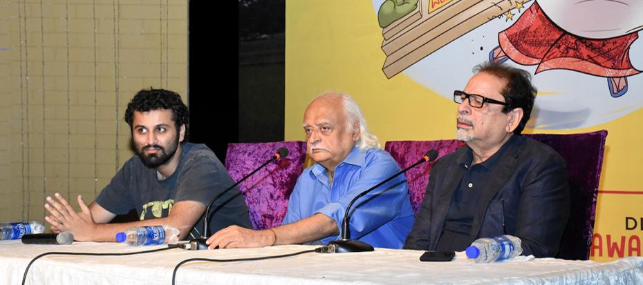 "Anwar Maqsood & Dawar Mehmood's hold press conference for upcoming play ""Kiyun Nikala"""