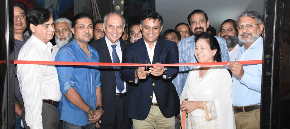 Sindh Culture Minister Junaid Shah inaugurated the Palette Knife Painting Exhibition